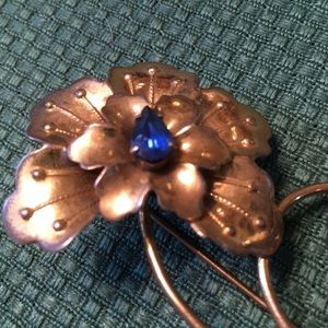 Jewelry - Sterling flower brooch with blue stones